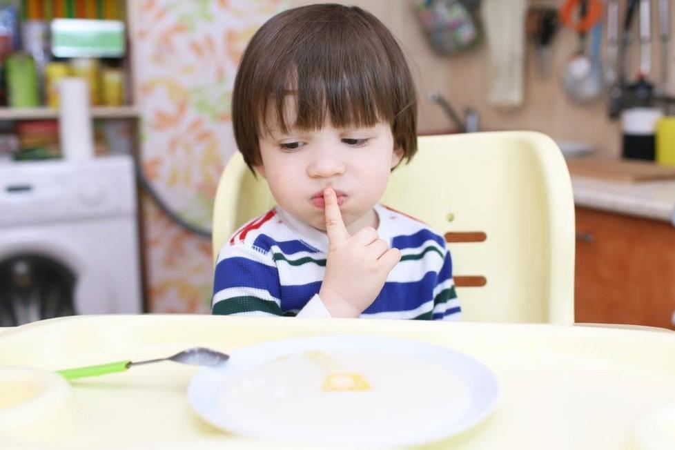 Tips Agar Si Kecil Mau Makan Camilan Anak yang Sehat